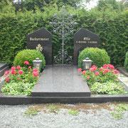 Doppelgrab Star Galaxy neuer Friedhof in Sachsen b. Ansbach