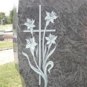 Kreuz mit Lilien auf Orion