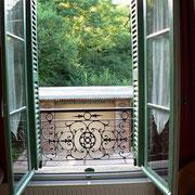 """Gîte à la Gare: vue du salon sur la """"Marquise"""""""