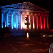 トリコロールの国会議事堂、さすがフランス