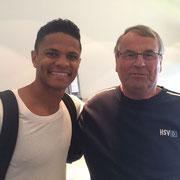und hier noch einmal mit Douglas Santos