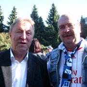 Horst Hrubesch mit Udo (bei Dreharbeiten zum Großstadtrevier)