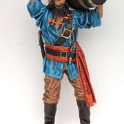 figura de pirata con barril a hombros