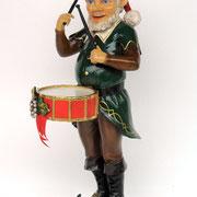 elfo tocando el tambor