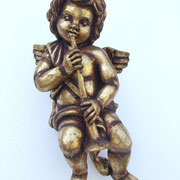 ángel en oro de pared con trompleta