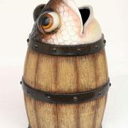 barril con pez