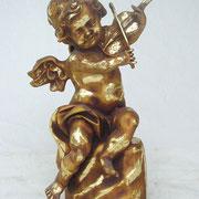 ángel de pie con violín
