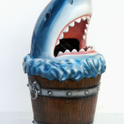 tiburón cubo basura