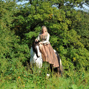 Christina Wagner mit Paint Stute Jane im Damensattel