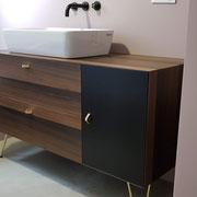 Mobile bagno in eukalipto. Designer SPF – Architetti Associati Roma