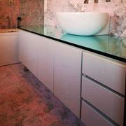 Mobile bagno laccato lucido