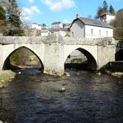 Le Vieux pont à Treignac