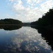 Coucher de soleil sur le barrage de Peyrissac