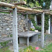 Pergola in legno di castagno