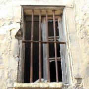 (1385) Fenêtre close