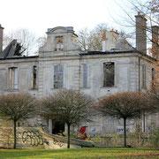 (1396) Chateau de Goussainville et sa toiture effondrée
