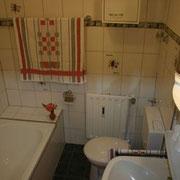 Ferienwohnung Anna Maria - Bad mit Badewanne und Duschmöglichkeit
