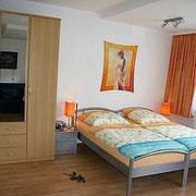 Ferienwohnung Anna Maria - Doppelbett (trennbar mit Mittelkonsole) 200 x 180 cm