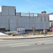 05.10.2018 Die Außenwand der Stadtgalerie steht bereits. Das Gelände der neuen Ausstellungshalle wurde planiert.