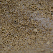 zerbröselte, sandige Lehm-Masse
