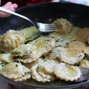 Ravioli mi Bärlauch oder Spinat und Ricottafüllung.
