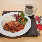 09灯りの食邸KOKAJIYA 牛すじ肉と地場産トマトのハッシュドビーフ(営業時間11:30〜14:30)