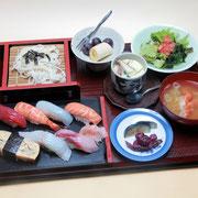 10寿司亀 江戸前すし定食(またはちらし定食)(営業時間11:30〜14:00)