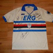 #15 - signiert u.a. von Pagliuca, Gian-Luca Vialli, Cerezo...