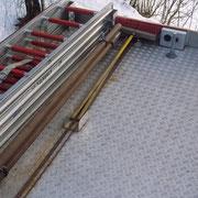 Zusätzlich auf dem Dach, die zur Din-Beladung gehörende 4 tlg. Steckleiter.
