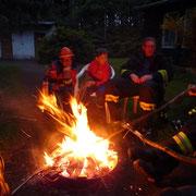 Den Abend ließen wir dann am Lagerfeuer ausklingen.