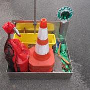 Wechselweise steht eine weitere Transportkiste für Schlauchmaterial bzw. für sonstige Transporte zur Verfügung.