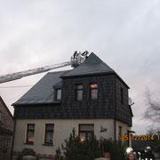 Im Einsatz waren beide Fahrzeuge der Feuerwehr Vogelsgrün sowie das Tanklöschfahrzeug und die Drehleiter der Feuerwehr Auerbach.