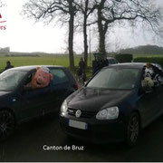 Les mascottes montent en voiture