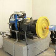 Modernisierter Antrieb mit Geberanbau für Frequenzumrichter sowie Zweikreis-Bremssystem Jahrgang 2010