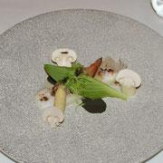 前菜(アスパラ、貝類など)