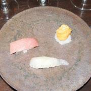寿司(中トロ、ウニ、ヒラメ)
