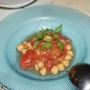 トマトとヒヨコ豆の冷製