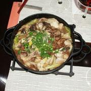 トリッパと牛すじ、根菜の赤鍋