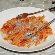 カザレッチェ トマトとゴルゴンゾーラ