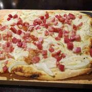 フラムクーヘン(ドイツ風薄焼きピザ)