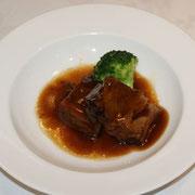 牛三枚肉の柔らか醤油煮