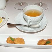お茶と小菓子