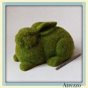 Conejo Decorativo Pasto Verde / REF:  / 1 unidad / Arriendo: $ 6.000 / Garantía: $ 15.000