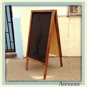 PIZARRA PALOMA  (DOBLE CARA) MADERA  / REF: VAR- 046 / 1 unidad / Medidas: 1,35 x 60 cms. ancho / Arriendo: $ 15.000 / Garantía: $ 40.000