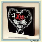 Cuadro pequeño Negro LOVE / REF: CUA-055 / 24 x 24 cms./ 1 unidad / Arriendo: $ 4.000 / Garantía: $ 20.000