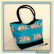Bolso playa pescados Azul y negro / REF: VAR- 026 / 1 unidad/ Arriendo: $ 3.000 / Garantía: $ 10.000