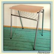 Mesas pupitres escolares melamina color madera / REF: MUE-057  /  5 unidades / Arriendo: $ 5.000 c/u / Garantía: $ 18.000 c/u