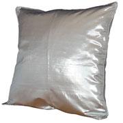 Cojínes plata cuadrado/ REF: TEXT- 032/ 40 X 40 CMS./ 2 unidades / Arriendo: $ 3.500 c/u  / Garantiía: $ 15.000
