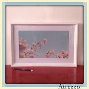 Cuadro Rectangular Cielo Flores  (con vidrio) / Medidas : 60 x 40 cms./ 1 unidad / Arriendo: $ 10.000 / Garantía: $ 30.000