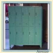 Lockers metálicos 10 puertas / REF: mue-069 / 1,36 cms. ancho x 1,70 cms. alto x 0,45 cms. fondo / 2 unidades / Arriendo: $ 50.000 c/u / Garantía: $ 150.000 c/u